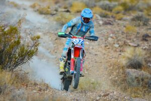hintz and hunt team racing in the vegas to reno off-road racing event
